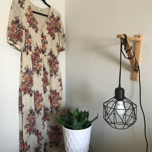 Dresses & Skirts - Floral mid length dress
